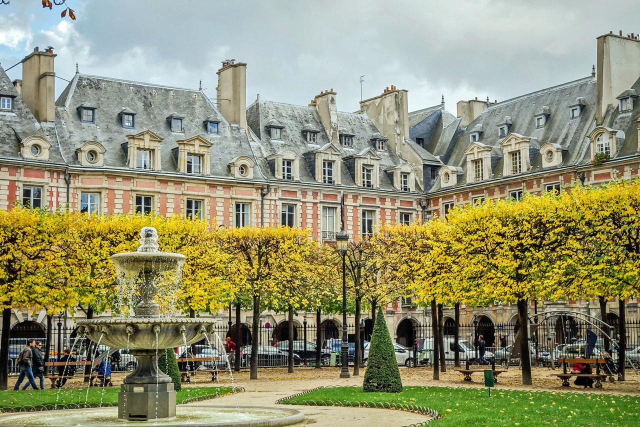 Place Des Vosges Marais Paris Right Bank Apartment Rental