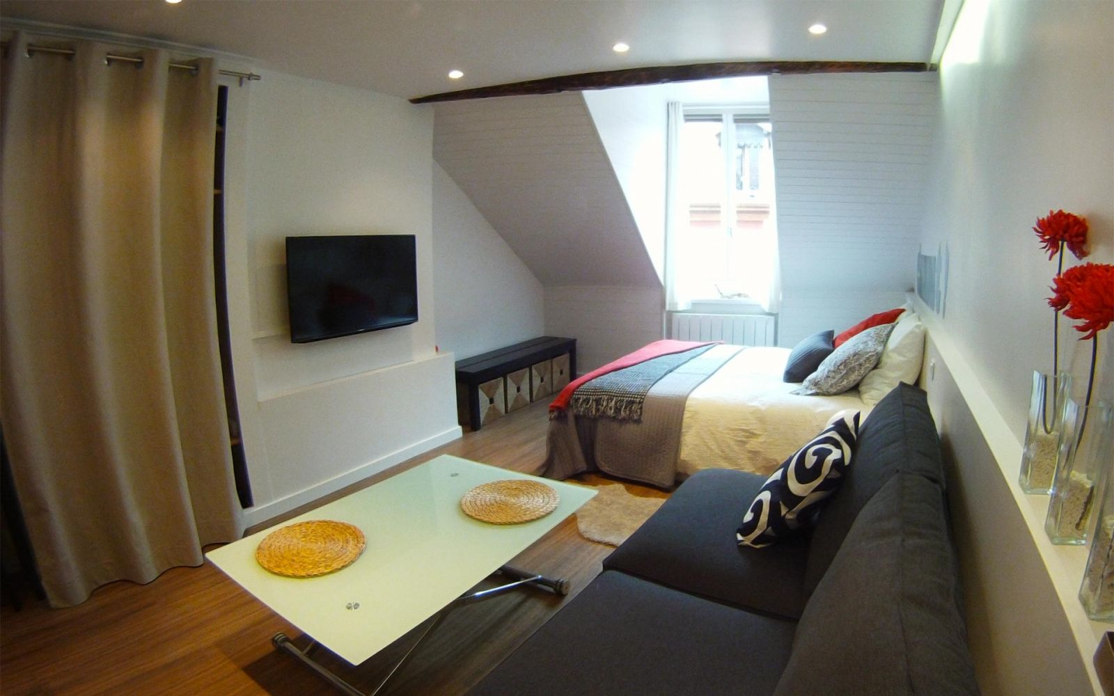 Alps france vacation rentals annecy annecy hideaway for Home salon annecy